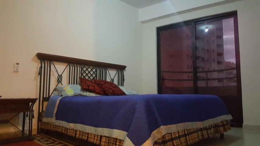 Apartamento Carabobo>Valencia>La Trigaleña - Venta:45.000 Precio Referencial - codigo: 19-19387