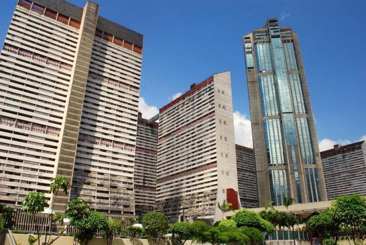 Local Comercial Distrito Metropolitano>Caracas>Parque Central - Venta:35.000 Precio Referencial - codigo: 19-19475