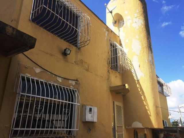 Casa Distrito Metropolitano>Caracas>Lomas de La Trinidad - Venta:100.000 Precio Referencial - codigo: 19-19486