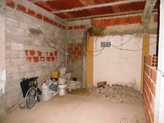 Casa Aragua>Intercomunal Maracay-turmero>Intercomunal Turmero Maracay - Venta:12.000 Precio Referencial - codigo: 19-19625
