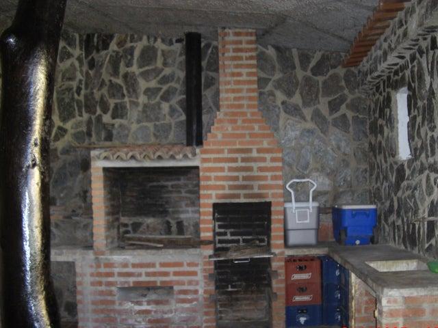 Casa Vargas>Parroquia Carayaca>Sector Las Salinas - Venta:40.000 Precio Referencial - codigo: 19-13916