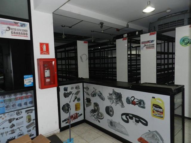 Local Comercial Miranda>Municipio Los Salias>Las Salias - Venta:80.000 Precio Referencial - codigo: 19-20104