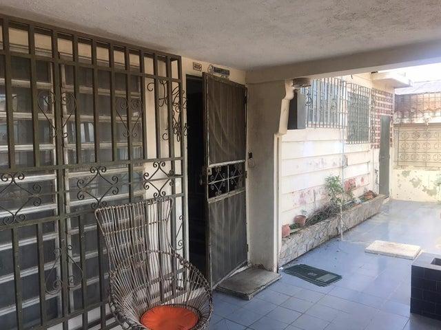 Local Comercial Falcon>Punto Fijo>Puerta Maraven - Venta:150.000 Precio Referencial - codigo: 19-19933