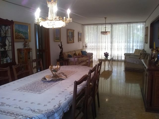 Apartamento Distrito Metropolitano>Caracas>El Rosal - Venta:220.000 Precio Referencial - codigo: 20-4869
