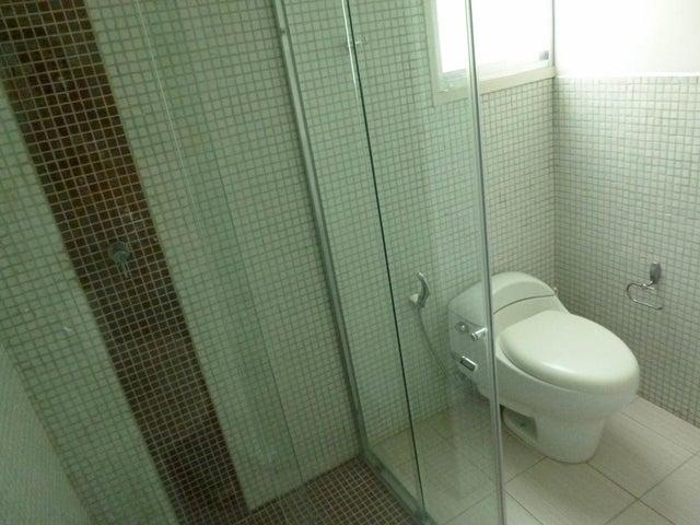 Apartamento Distrito Metropolitano>Caracas>Santa Rosa de Lima - Alquiler:600 Precio Referencial - codigo: 20-693