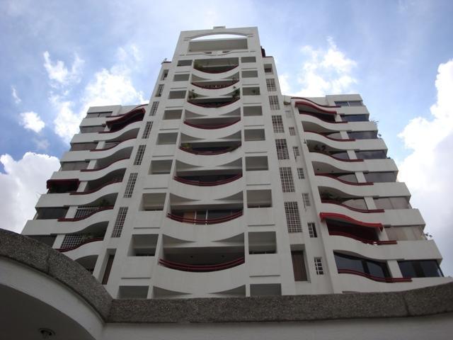 Apartamento Distrito Metropolitano>Caracas>Los Palos Grandes - Alquiler:390 Precio Referencial - codigo: 19-20297