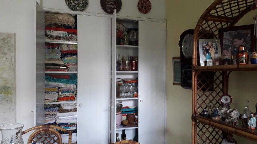 Apartamento Distrito Metropolitano>Caracas>Colinas de las Acacias - Venta:85.000 Precio Referencial - codigo: 19-20138