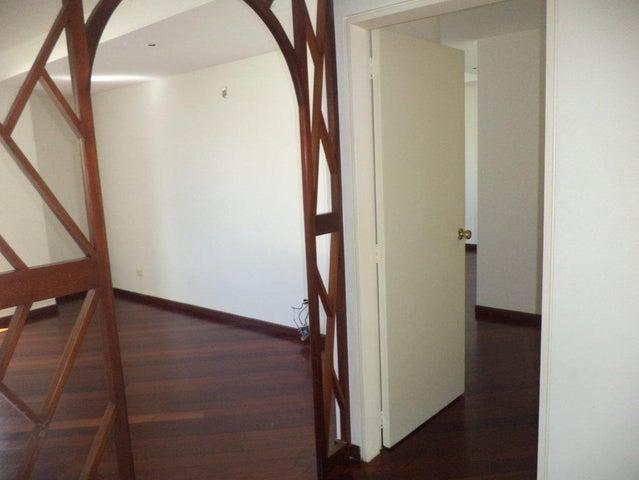 Apartamento Distrito Metropolitano>Caracas>Las Mercedes - Alquiler:1.500 Precio Referencial - codigo: 20-303