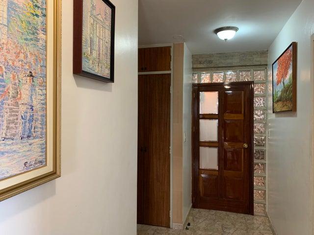 Apartamento Distrito Metropolitano>Caracas>Mariperez - Venta:90.000 Precio Referencial - codigo: 19-20219