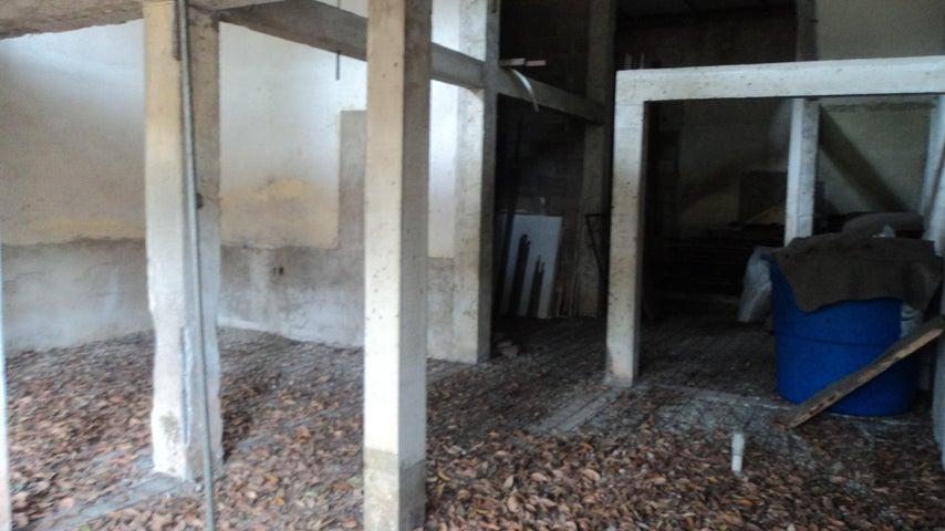 Terreno Lara>Barquisimeto>Centro - Venta:27.000 Precio Referencial - codigo: 20-5979