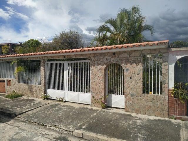 Casa Carabobo>San Joaquin>Villas del Centro - Venta:11.500 Precio Referencial - codigo: 20-77