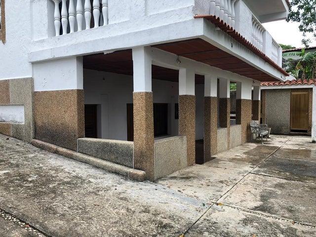 Apartamento Miranda>Chirimena>Corrales - Venta:60.000 Precio Referencial - codigo: 20-21