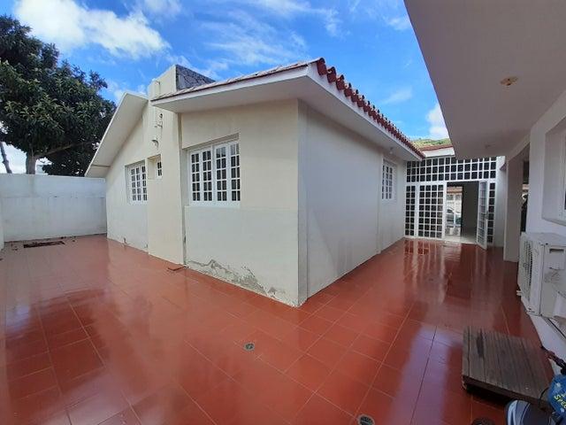 Casa Distrito Metropolitano>Caracas>Colinas de Vista Alegre - Venta:235.000 Precio Referencial - codigo: 20-97