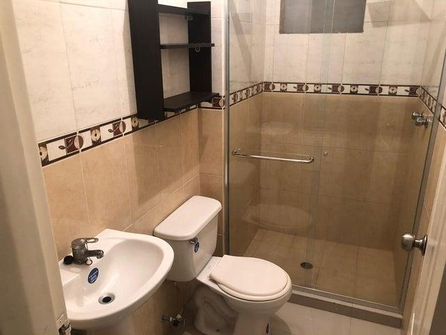 Apartamento Zulia>Maracaibo>Avenida Milagro Norte - Venta:46.500 Precio Referencial - codigo: 20-19