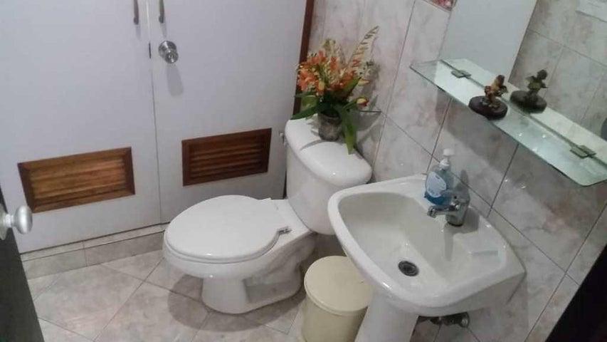 Oficina Distrito Metropolitano>Caracas>La Campiña - Alquiler:75 Precio Referencial - codigo: 19-14221