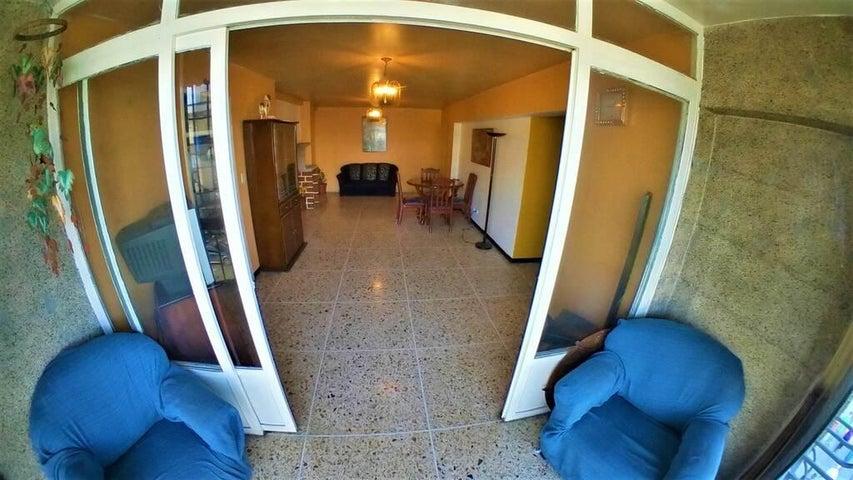 Apartamento Miranda>Los Teques>Los Teques - Venta:25.000 Precio Referencial - codigo: 20-63