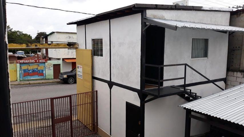 Local Comercial Lara>Cabudare>Parroquia Cabudare - Alquiler:900 Precio Referencial - codigo: 20-85
