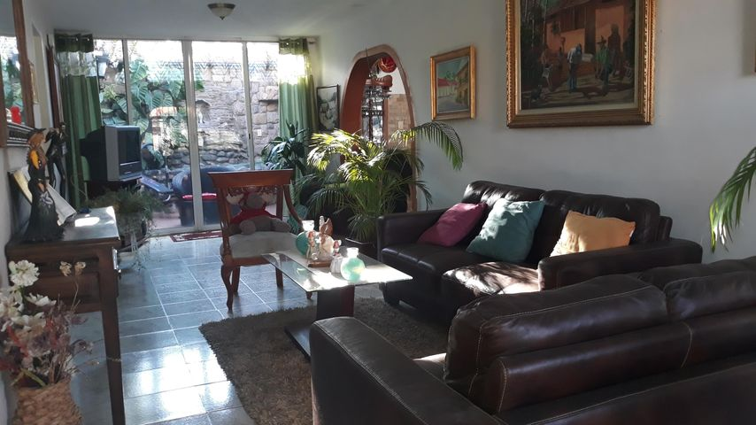 Casa Lara>Cabudare>Parroquia Jose Gregorio - Venta:26.000 Precio Referencial - codigo: 20-86