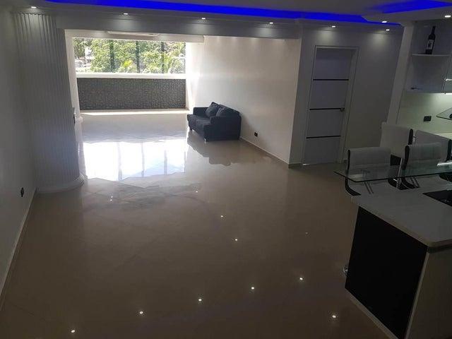 Apartamento Vargas>Catia La Mar>Playa Grande - Venta:135.000 Precio Referencial - codigo: 20-100