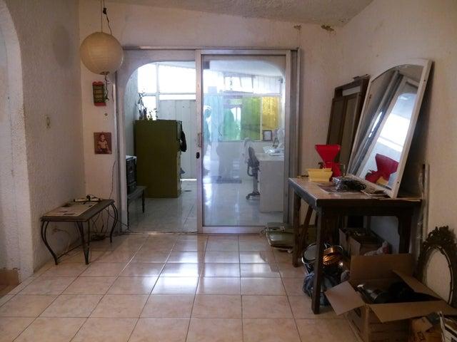 Casa Lara>Cabudare>El Recreo - Venta:12.000 Precio Referencial - codigo: 20-95
