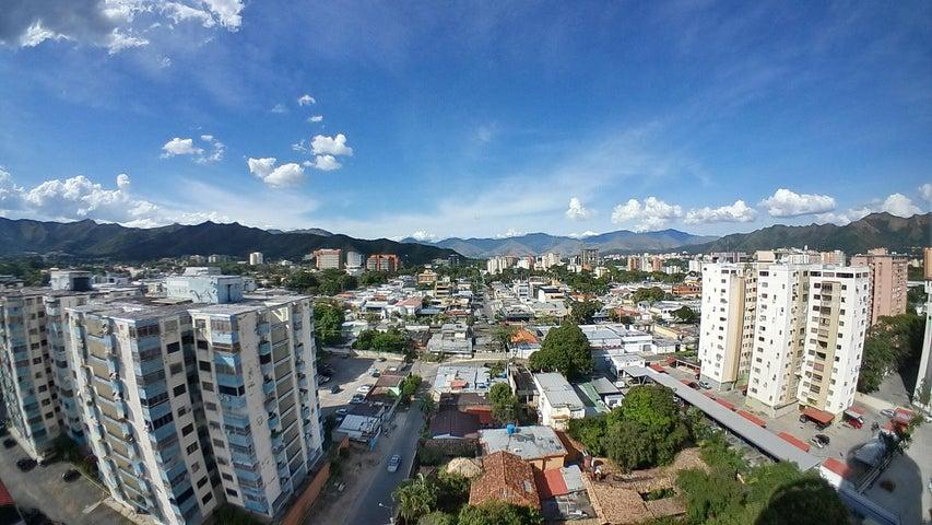 Apartamento Carabobo>Valencia>El Viñedo - Venta:14.000 Precio Referencial - codigo: 20-182