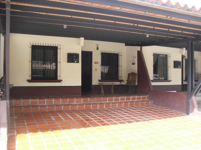 Casa Lara>Cabudare>Parroquia Jose Gregorio - Venta:20.000 Precio Referencial - codigo: 20-180