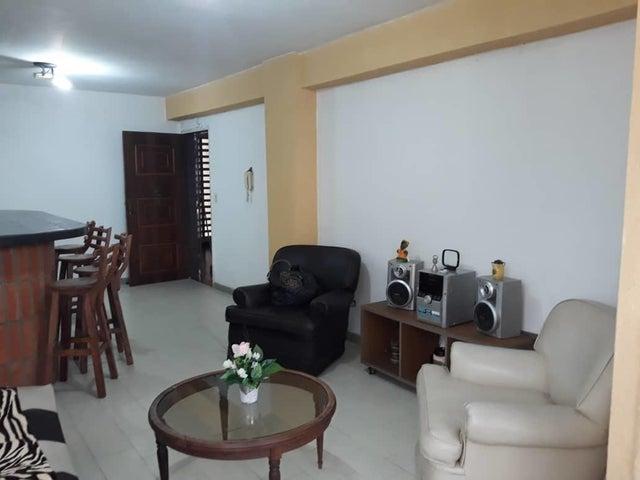 Apartamento Aragua>Maracay>Urbanizacion El Centro - Venta:13.800 Precio Referencial - codigo: 19-7860