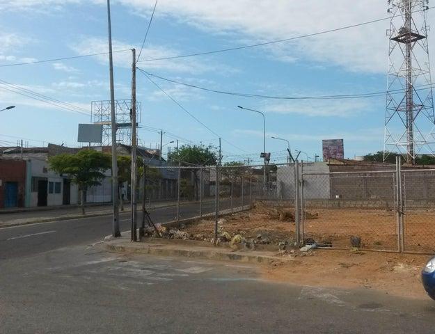 Terreno Zulia>Maracaibo>Avenida Bella Vista - Alquiler:300 Precio Referencial - codigo: 20-194