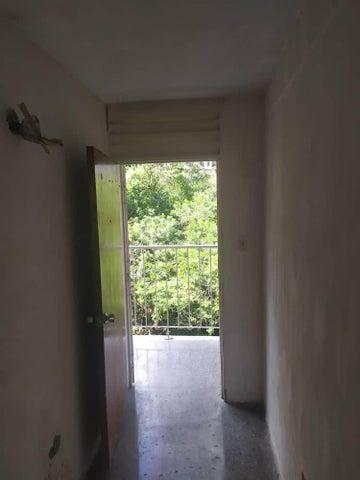 Apartamento Distrito Metropolitano>Caracas>Parroquia La Vega - Venta:9.000 Precio Referencial - codigo: 20-286