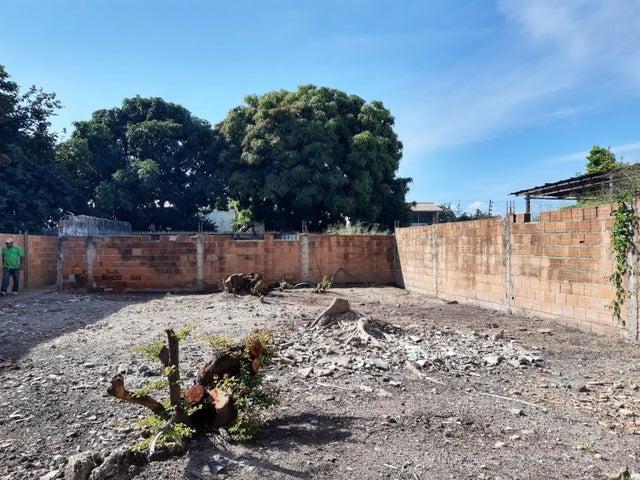 Terreno Aragua>Maracay>La Romana - Venta:11.800 Precio Referencial - codigo: 20-278