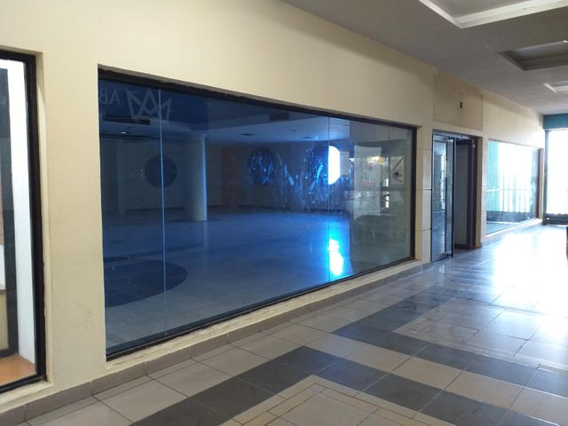 Local Comercial Falcon>Coro>Centro - Venta:202.000 Precio Referencial - codigo: 20-275