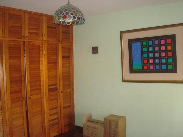 Casa Distrito Metropolitano>Caracas>Horizonte - Venta:140.000 Precio Referencial - codigo: 20-276