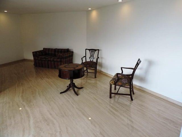 Apartamento Distrito Metropolitano>Caracas>Colinas de Valle Arriba - Venta:450.000 Precio Referencial - codigo: 20-281