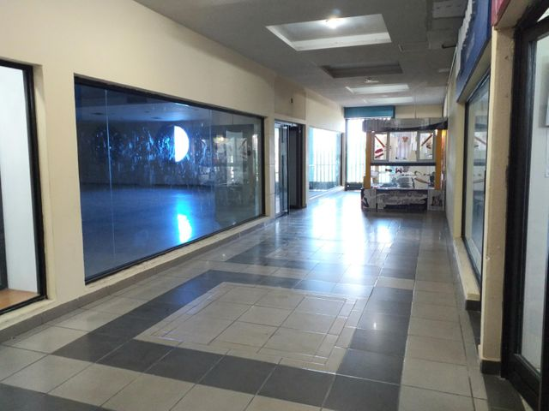 Local Comercial Falcon>Coro>Centro - Alquiler:400 Precio Referencial - codigo: 20-292