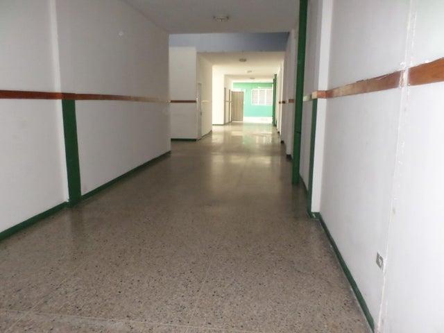 Consultorio Medico  Lara>Barquisimeto>Parroquia Concepcion - Alquiler:400 Precio Referencial - codigo: 20-321