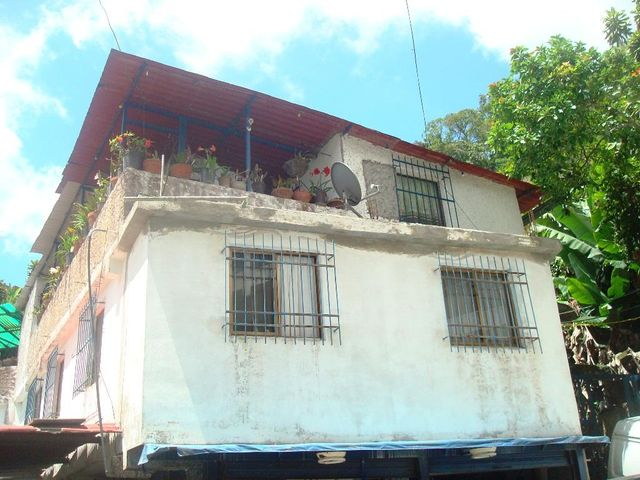 Casa Distrito Metropolitano>Caracas>Hoyo de La Puerta - Venta:130.000 Precio Referencial - codigo: 20-325