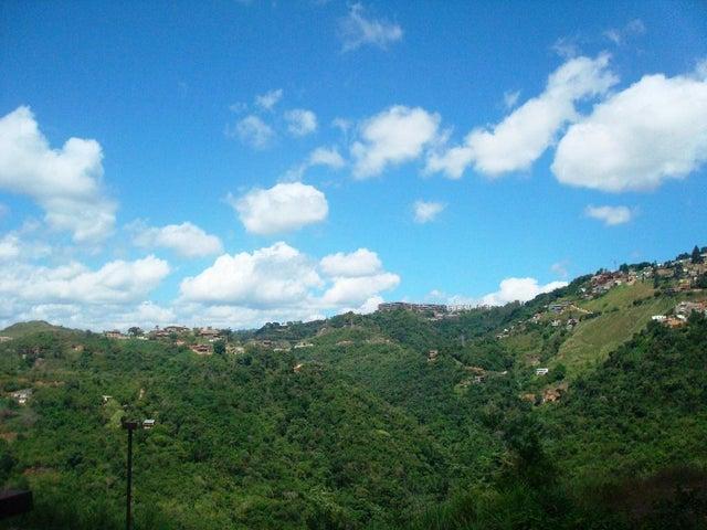 Townhouse Distrito Metropolitano>Caracas>Bosques de la Lagunita - Venta:75.000 Precio Referencial - codigo: 20-331