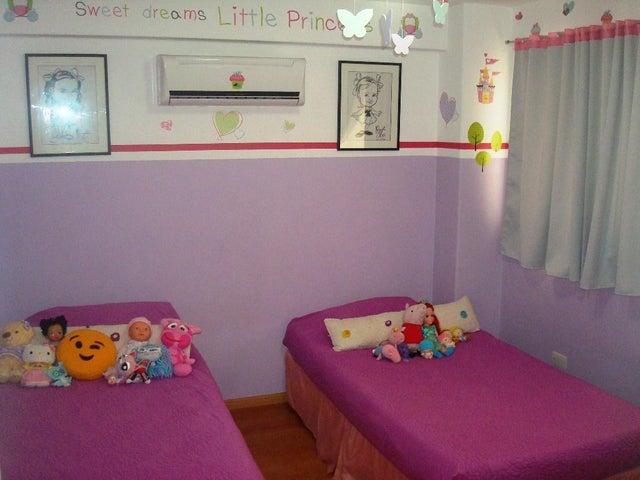 Apartamento Distrito Metropolitano>Caracas>Loma Linda - Venta:110.000 Precio Referencial - codigo: 20-338