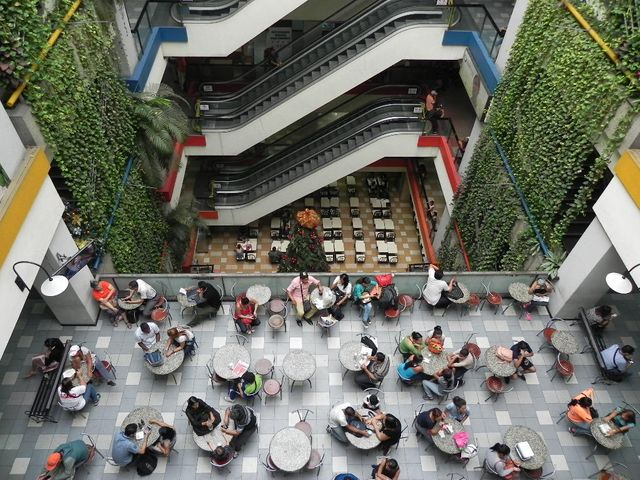 Local Comercial Distrito Metropolitano>Caracas>Parroquia Catedral - Venta:170.000 Precio Referencial - codigo: 20-346