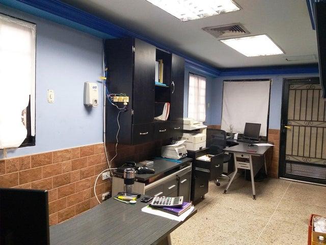 Local Comercial Zulia>Cabimas>Churuguara - Venta:360.000 Precio Referencial - codigo: 20-490