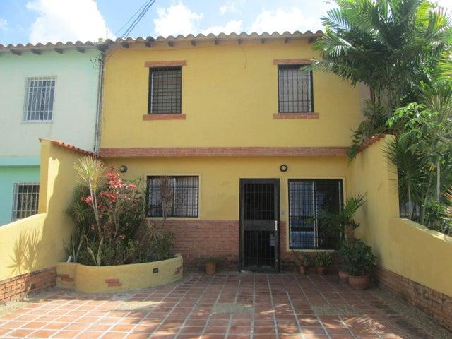 Casa Lara>Cabudare>La Montanita - Venta:10.500 Precio Referencial - codigo: 20-615