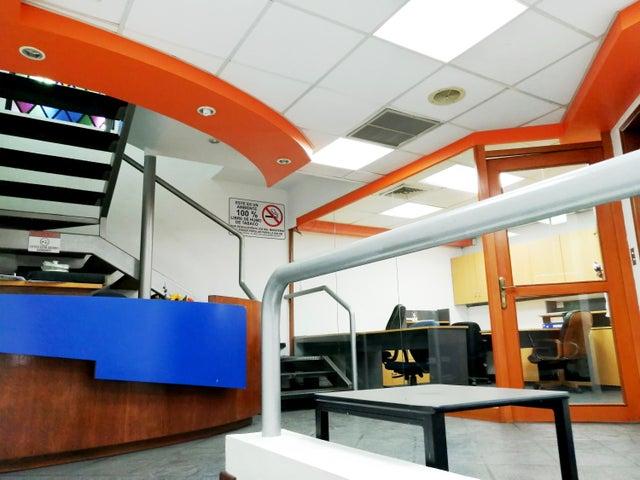 Local Comercial Lara>Barquisimeto>Parroquia Concepcion - Alquiler:2.200 Precio Referencial - codigo: 20-632