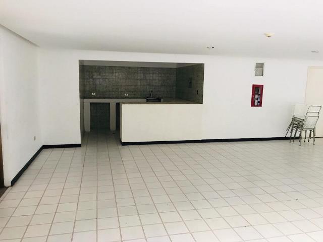 Apartamento Distrito Metropolitano>Caracas>El Cigarral - Venta:67.000 Precio Referencial - codigo: 20-664