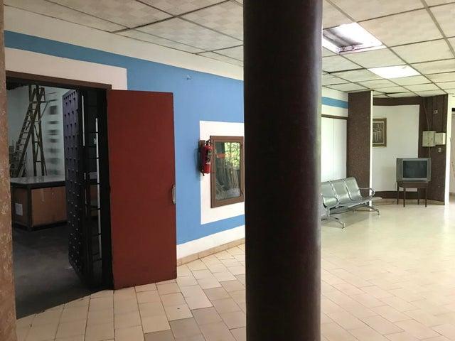 Local Comercial Distrito Metropolitano>Caracas>El Llanito - Venta:480.000 Precio Referencial - codigo: 20-2972