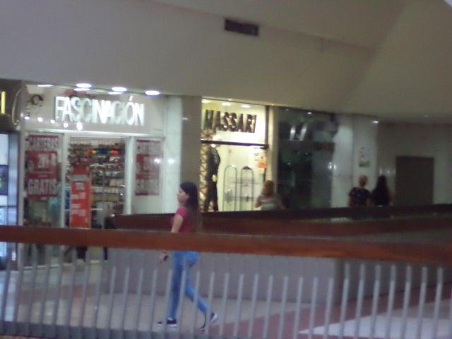 Local Comercial Distrito Metropolitano>Caracas>Chuao - Venta:1.700.000 Precio Referencial - codigo: 20-1134