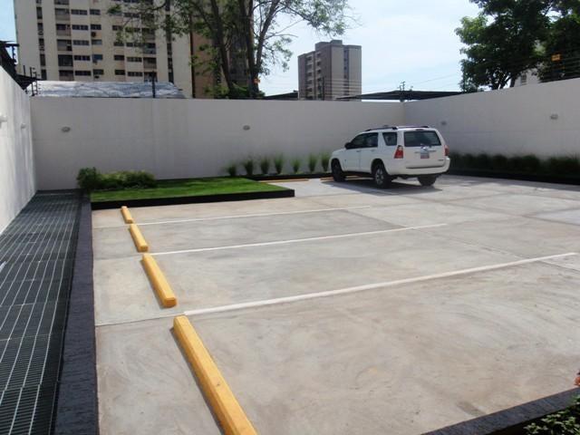 Oficina Zulia>Maracaibo>5 de Julio - Alquiler:700 Precio Referencial - codigo: 20-1147