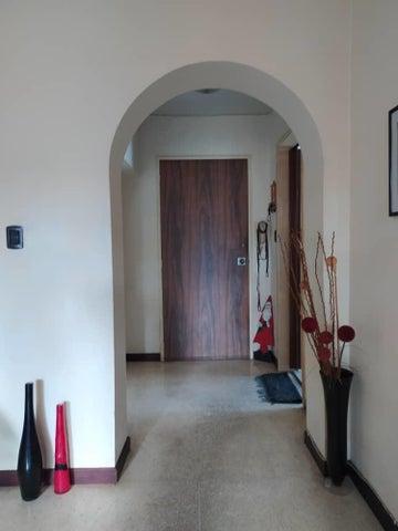 Apartamento Distrito Metropolitano>Caracas>Terrazas del Club Hipico - Venta:55.000 Precio Referencial - codigo: 20-881