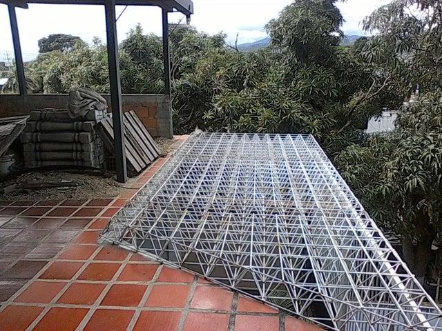 Casa Lara>Barquisimeto>Parroquia Concepcion - Venta:28.000 Precio Referencial - codigo: 20-1470
