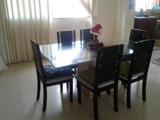 Apartamento Zulia>Maracaibo>La Lago - Venta:60.000 Precio Referencial - codigo: 20-1907