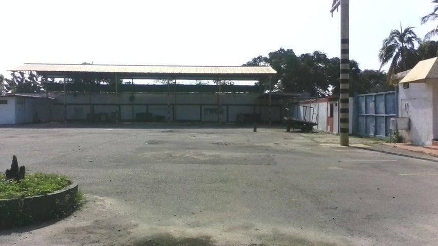 Galpon - Deposito Zulia>Ciudad Ojeda>Zona Industrial - Venta:60.000 Precio Referencial - codigo: 20-1850